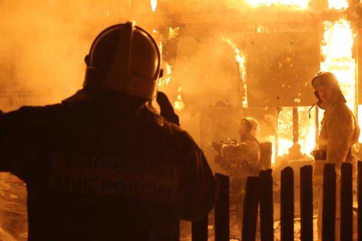 Пожар поулице Парижской Коммуны вБарнауле: комментарий МЧС