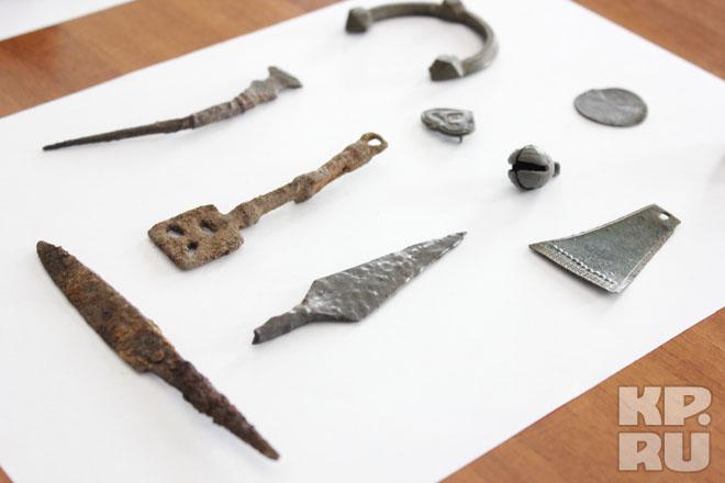 Археологи продемонстрировали в смоленске гнездовские находки.