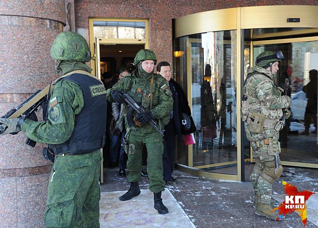 Кобзон переодически ворчал - снимите, мол, охрану Фото: Владимир ВЕЛЕНГУРИН