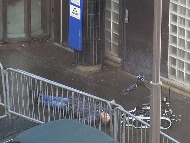 """Сообщается, что полицейские применили оружие на поражение после того, как неизвестный с ножом прокричал: """"Аллах Акбар!"""" Фото: REUTERS"""