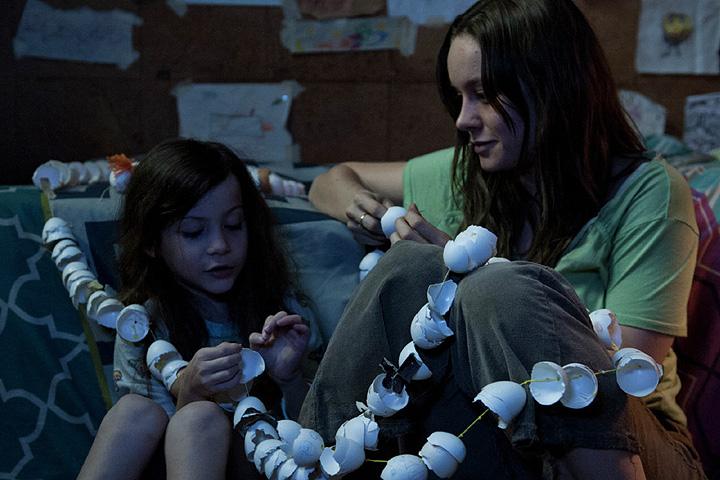 «Комната» - скромный, непритязательный, но сделанный с чувством и головой фильм.