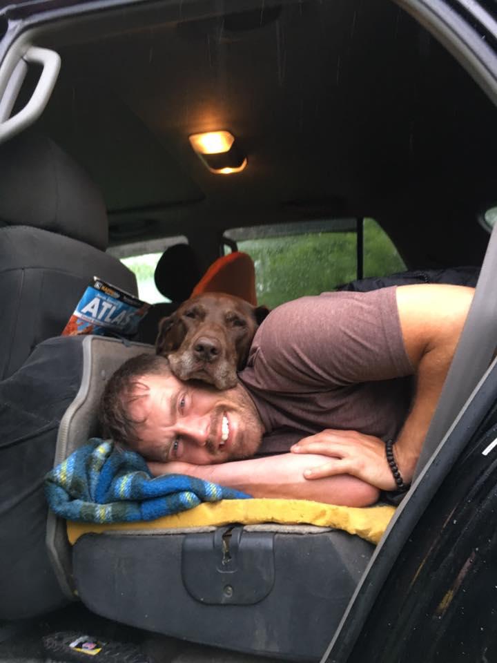 """""""Когда с утра Белла просит """"еще пять минуточек"""" Фото: www.facebook.com/robert.kugler1/"""