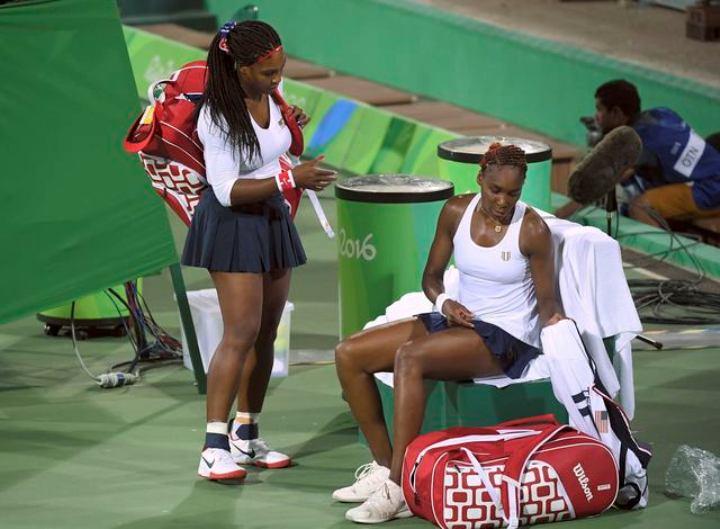 Сестры Уильямс в паре трижды выигрывали олимпийское золото и считались фаворитками Игр в Рио-де-Жанейро Фото: REUTERS
