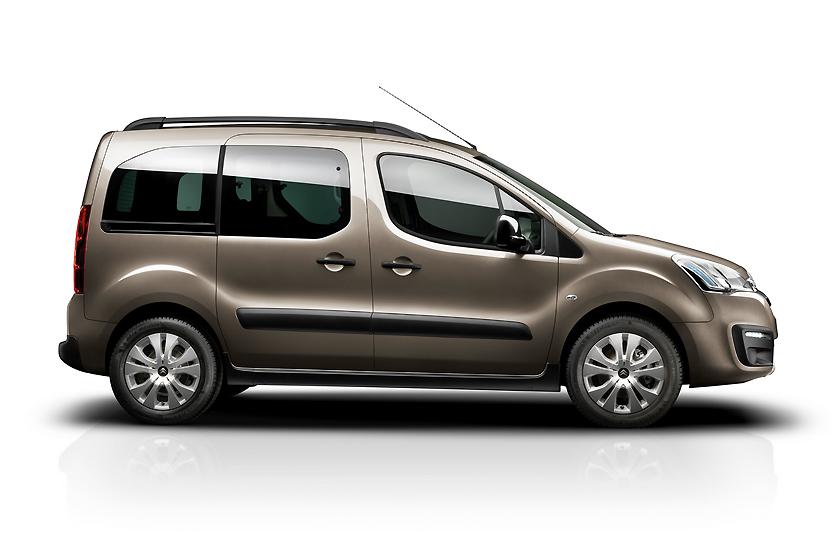 Это Citroen. Но силуэты у них с Peugeot одинаковые.