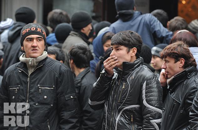 Eпрощение предоставления гражданства может привести к тому, что в Россию ринутся жители Закавказья и Средней Азии Фото: Олег РУКАВИЦЫН