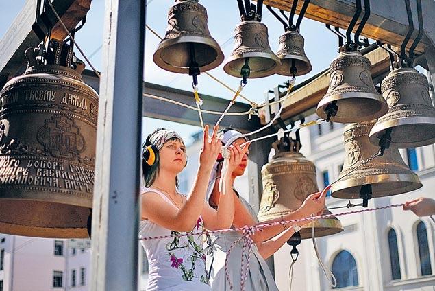 Больше тысячи лет звенят, поют колокола на земле Русской