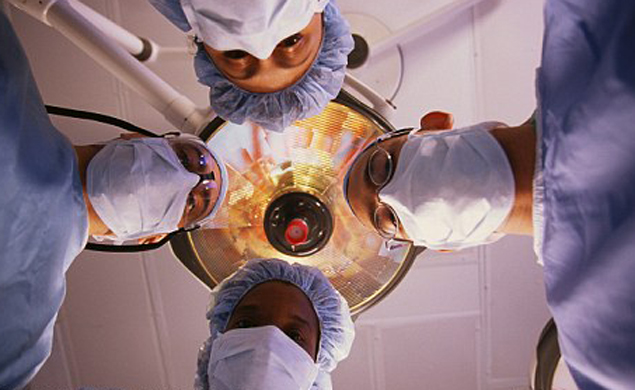 Многие из переживших клиническую смерть рассказывают о странных видениях.