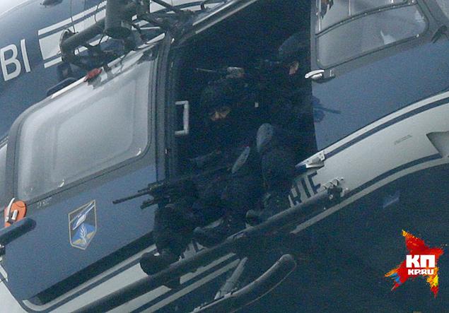 Париж — город маленький. Это вам не Москва. Перекрыть город для целой армии полицейских — дело 10-15 минут Фото: REUTERS