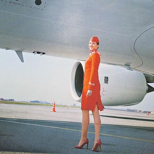 Бортпроводницы «Аэрофлота» могут и утопающих спасать, и роды на борту принимать. Фото: Пресс-служба «Аэрофлота»