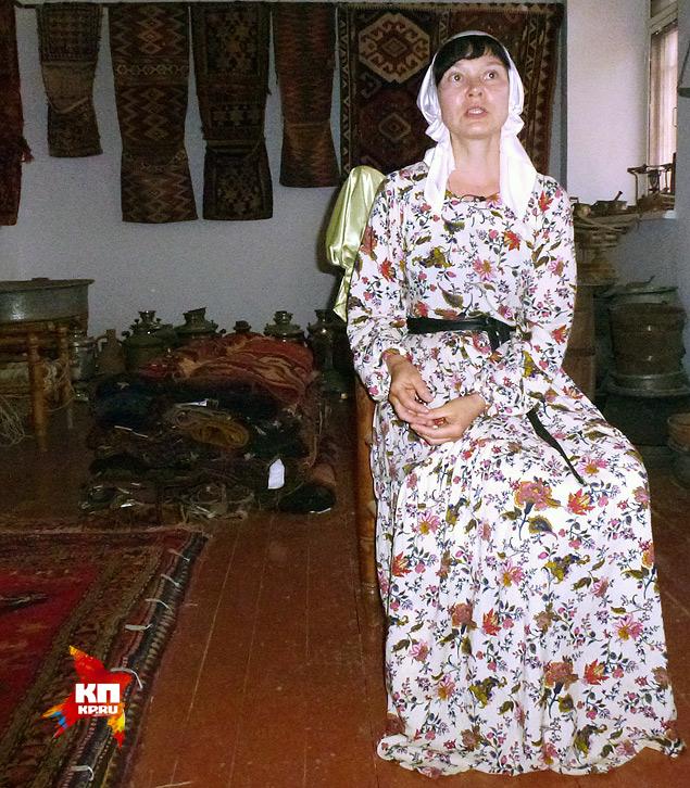Разговор с Аленой случился на фоне древних ковров и музейной утвари. Фото: Николай ВАРСЕГОВ