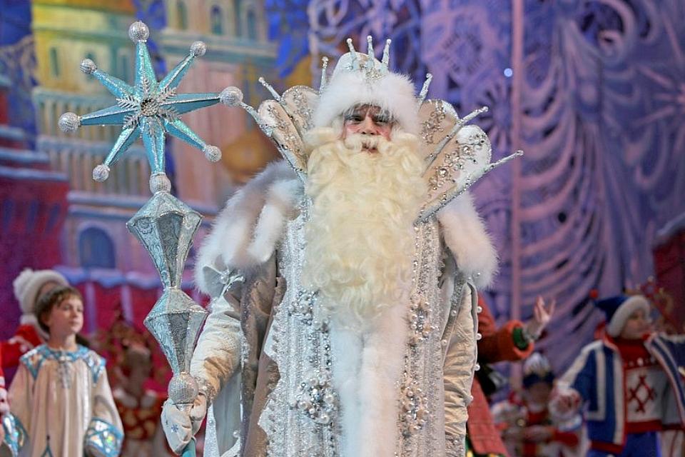 Подарков не будет, но покажут новогодний спектакль: Кремлевскую елку отменили из-за коронавируса