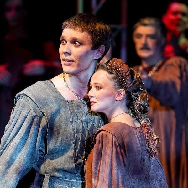 Спектакль «Ромео и Джульетта» в МХАТ Горького