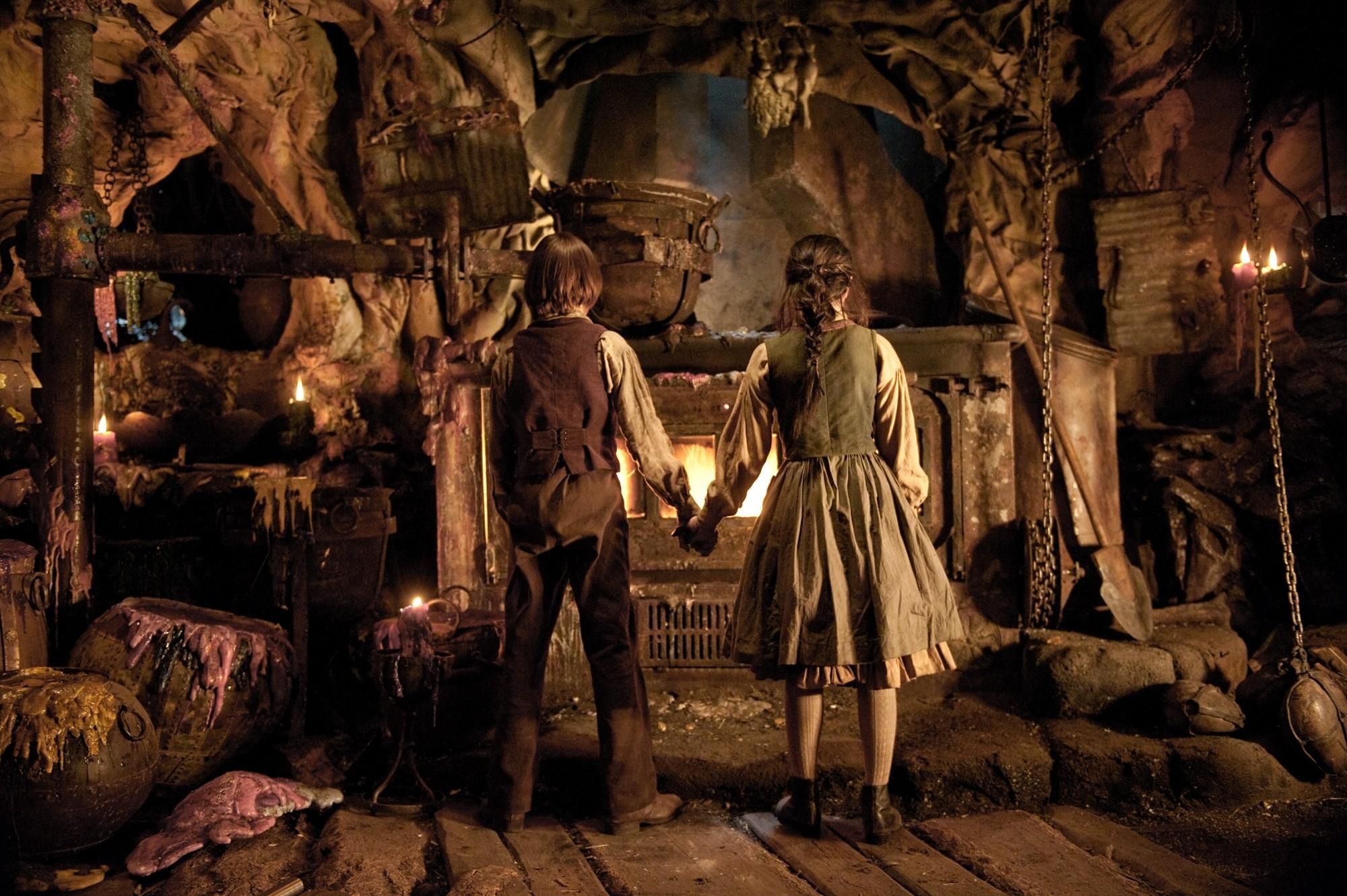 Скрытый смысл детских сказок: Гензель и Гретель боролись с настоящими каннибалами, а Колобка никто не мог съесть из-за заговора