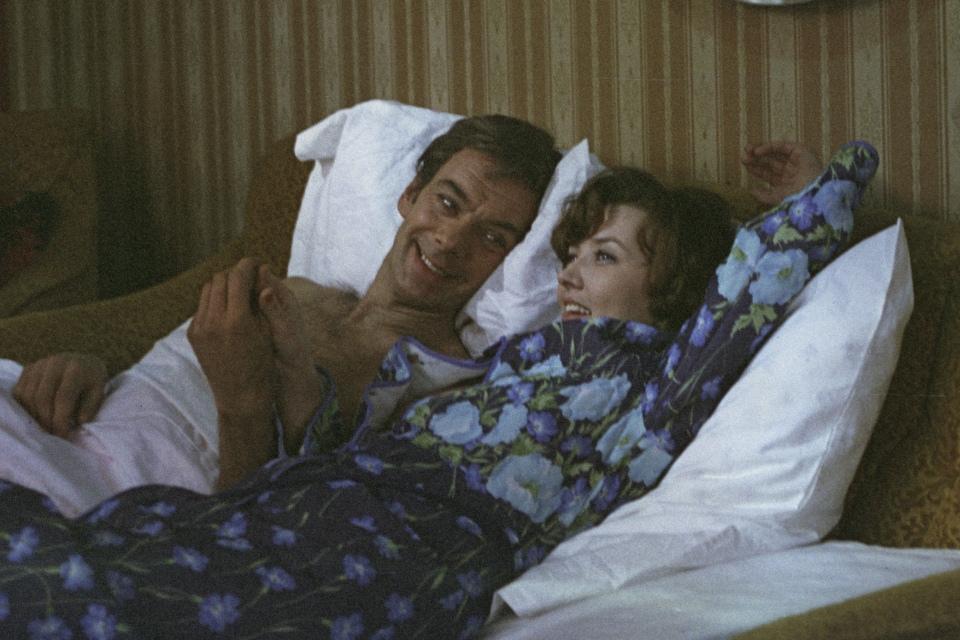 После фильма «Москва слезам не верит» Владимиру Меньшову устроили травлю, а получать свой «Оскар» не отпустили