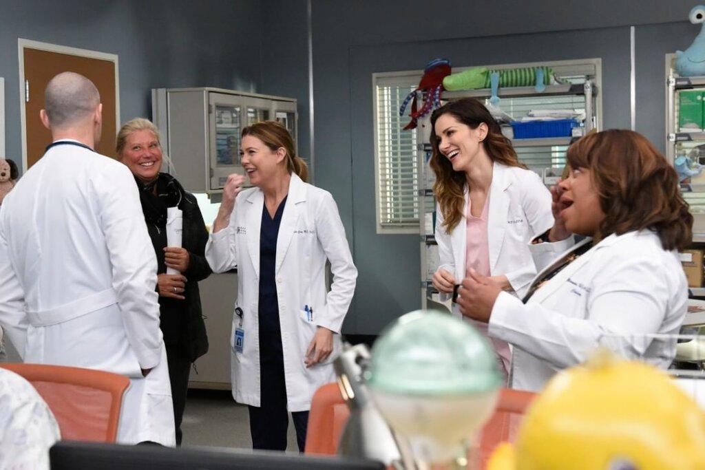 Фотографии со съемок самого долгоиграющего медицинского сериала