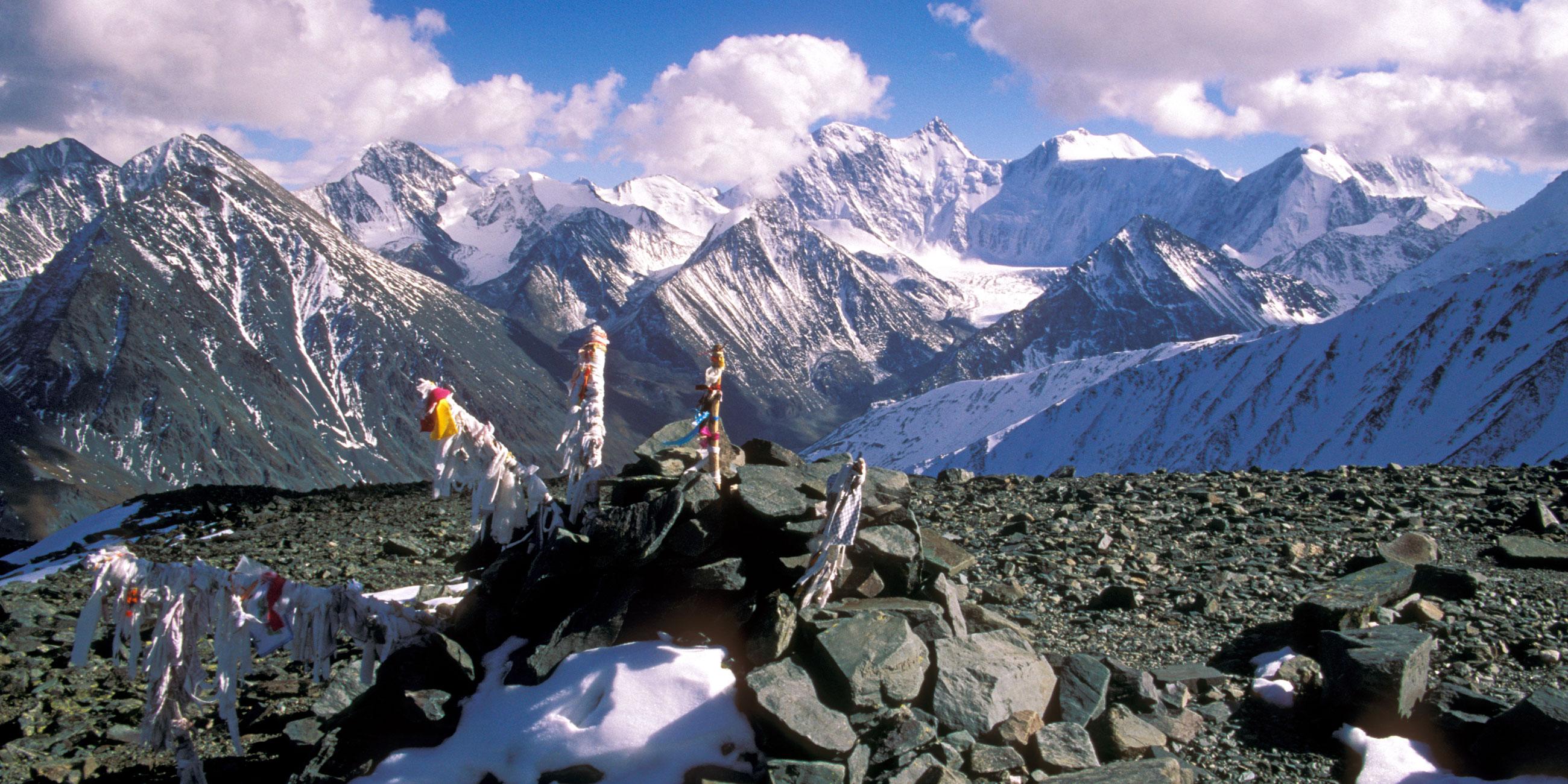 В древности местные шаманы считали Белуху священной горойФото: globallookpress.com