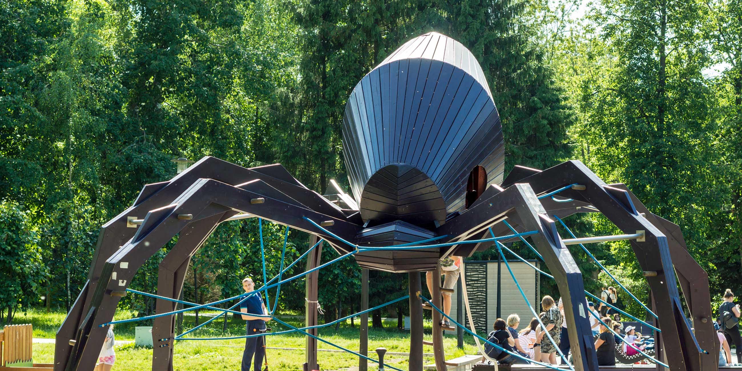 Для детей в парке построили целый игровой городокФото: Владимир Макеев, lori.ru