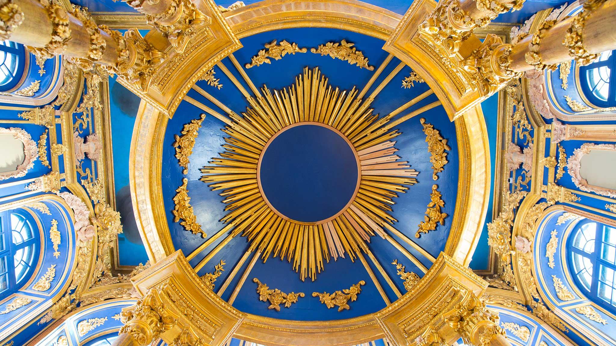 интерьер церкви воскресения христова в царском селе после реставрации
