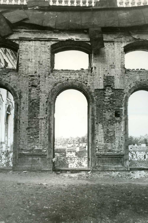 Лионский зал в екатерининском дворце до реставрации