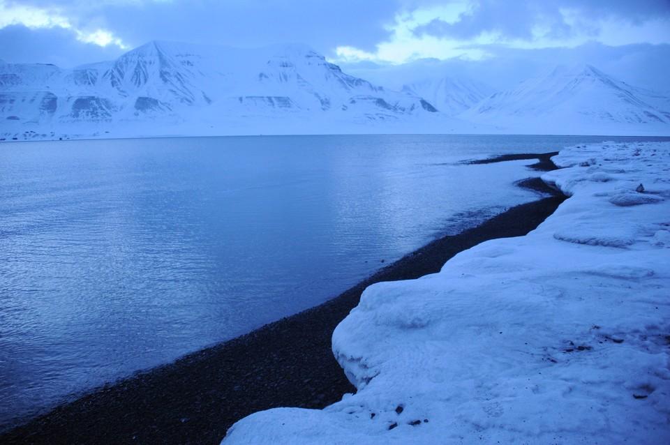 Сейчас органы власти и бизнес располагают всеми возможностями, чтобы выстроить экономическую модель освоения Арктики с использованием современных технологий, с вниманием к человеку и хрупкой окружающей среде.