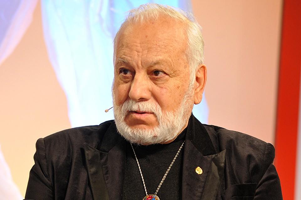 На радио «Комсомольская правда» певец рассказал о творчестве, о сыне и, конечно, о внуках
