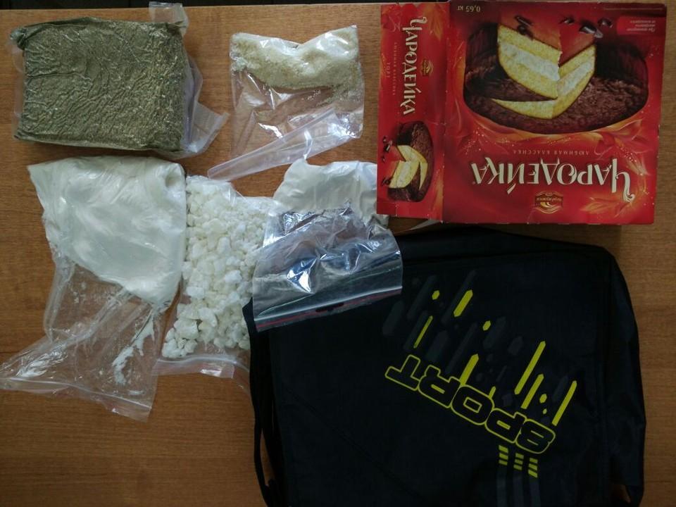 Наркотики везли на такси из Москвы в Волгоград. Фото: пресс-службы УФСБ России по Волгоградской области
