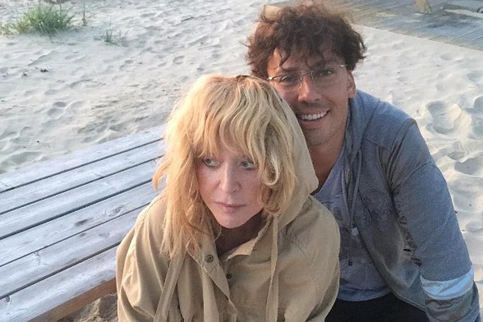 Пугачева на пляже фото галкина