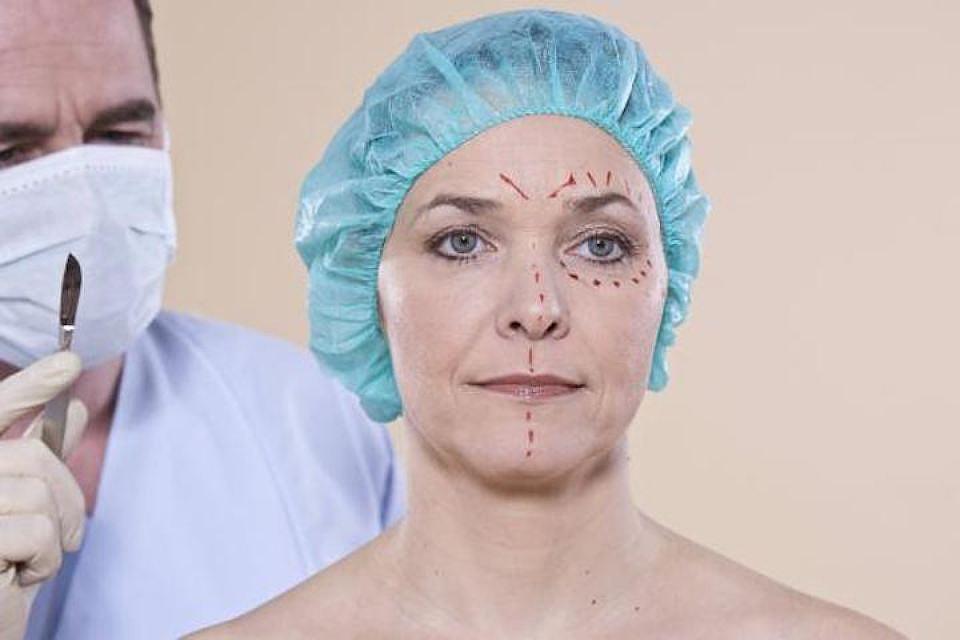 Девушки делающие пластическую операцию и получили член