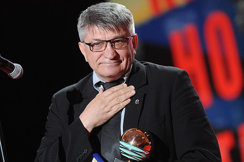 В декабре Европейская Киноакадемия вручит Сокурову свой почётный приз, окончательно возведя его в ранг живых классиков