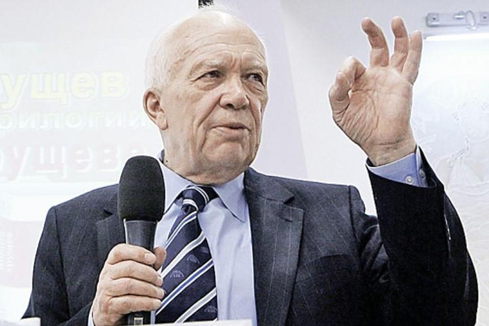 Сын первого секретаря ЦК КПСС Никиты Хрущева Сергей рассказал, почему его отец в 1954 г. принял решение отдать полуостров Крым Украине