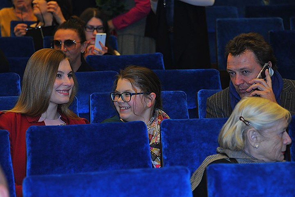 Новая супруга Марата Башарова утверждает, что у них в семье мир и покой
