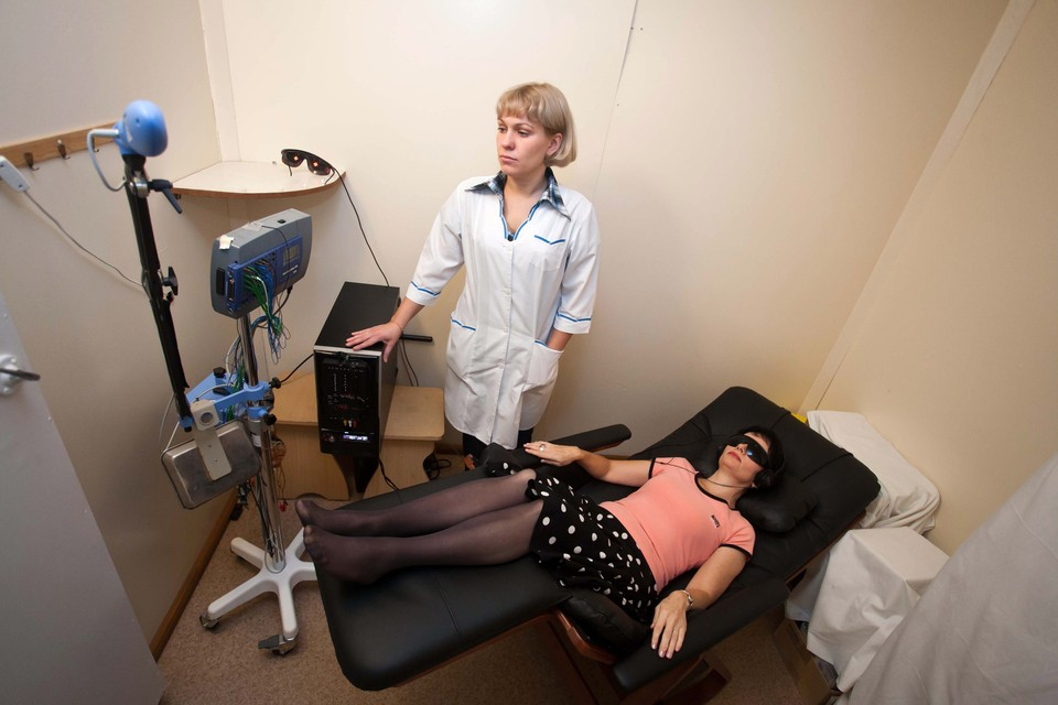 Аудиовизуально-вибротактильная стимуляция (АВВС) в комплексной терапии алкоголизма позволяет снизить медикаментозную нагрузку и повысить эффективность лечения