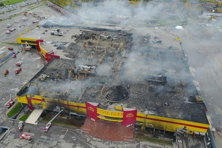 В результате пожара здание выгорело почти полностью.
