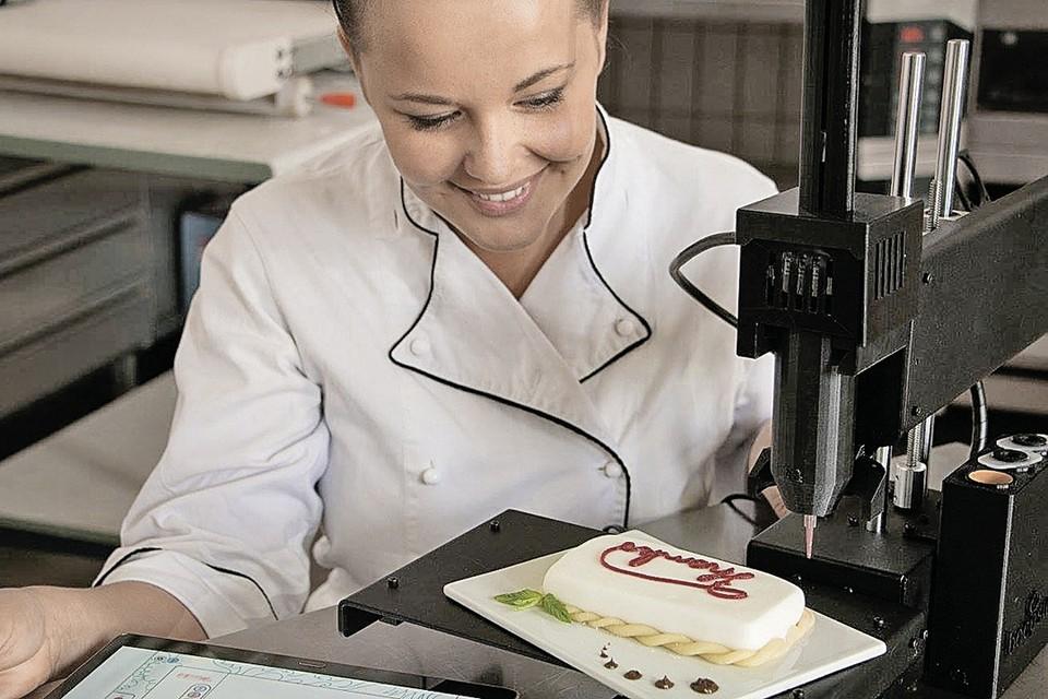Пирожное из 3D-принтера. Приготовление еды становится все более технологичным. Появился даже термин «урбанизация еды». Фото: facebook.com/bocusini