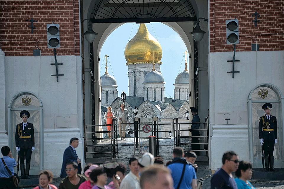 черный москвич зеленые ворота нурик здоровее