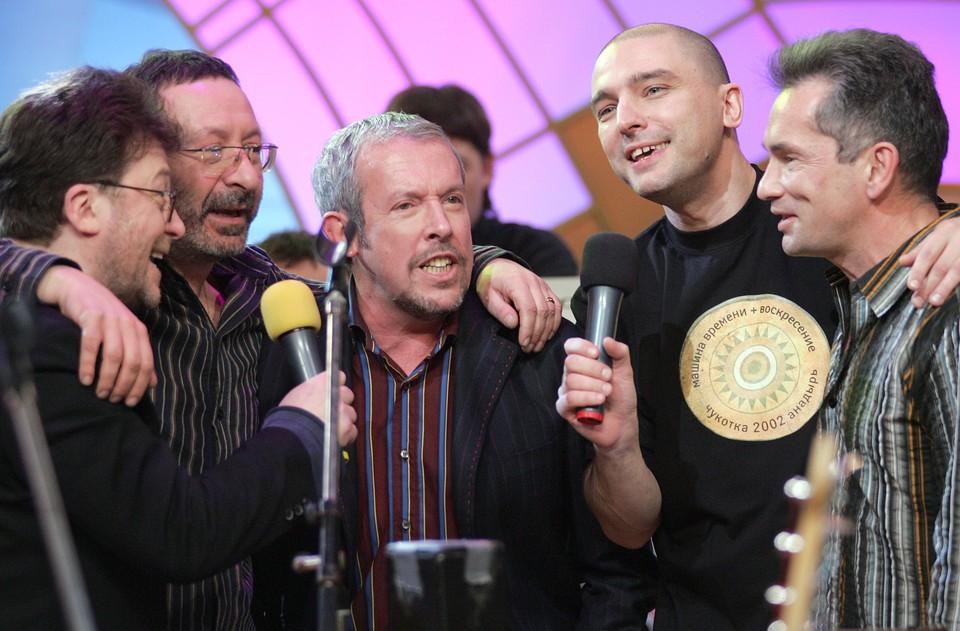 Андрей Державин (второй справа) пришел в «Машину времени» в 2000 году