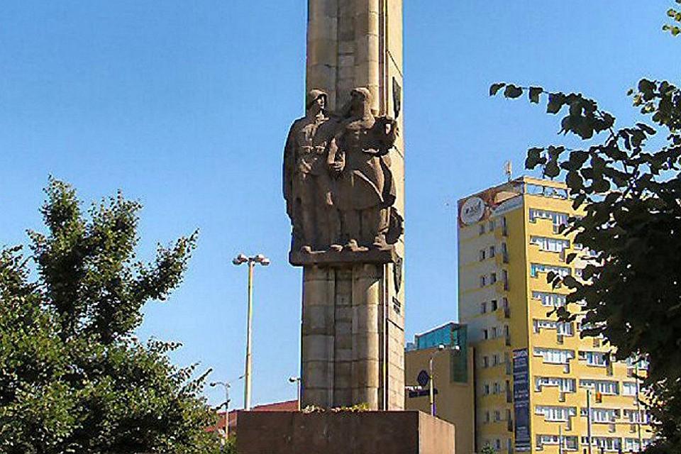 Памятники на красной армии в курске цены заказать памятник на могилу цена в челябинске