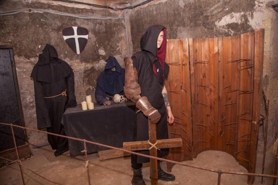 В подвале царит мрачная атмосфера. Фото: Турпортал РК.