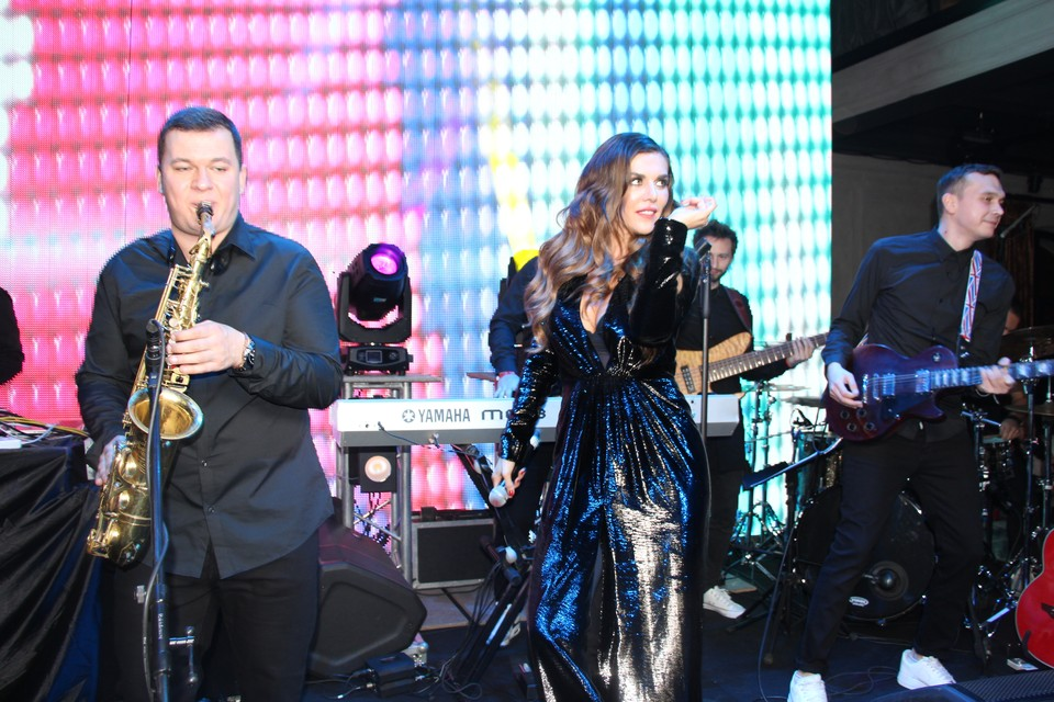 Анна Седокова призналась, что выросла на песнях Александра Розенбаума и назвала себя исполнительницей шансона нового образца.
