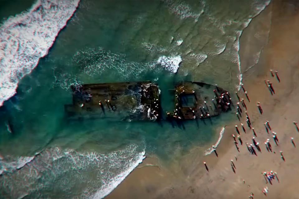 """Эти кадры, снятые с воздуха, показали в программе What on Earth на Science Channel. Журналисты утверждают, что на них - пропавшее судно """"Любовь Орлова"""""""