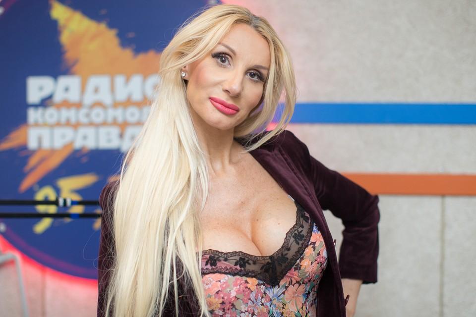 Лариса Сладкова прославилась как эпатажная ведущая прогноза погоды.