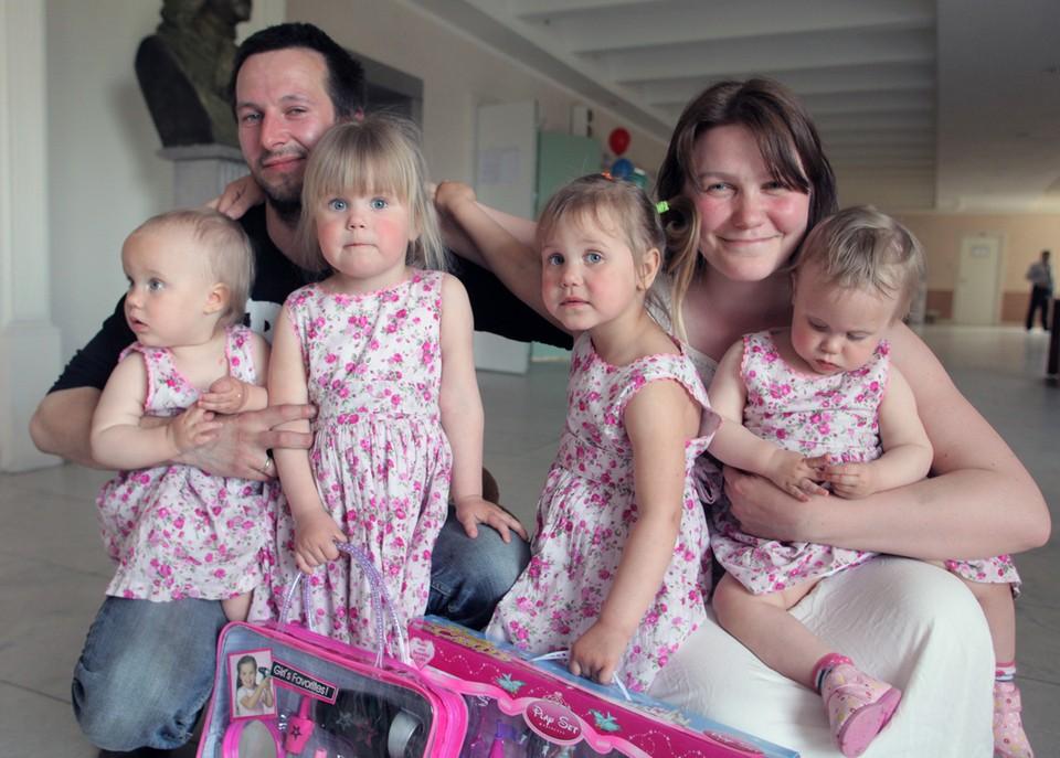Чтобы закрыть демографическую яму, нужно вырастить четверых детей. Фото: Тимур ХАНОВ.