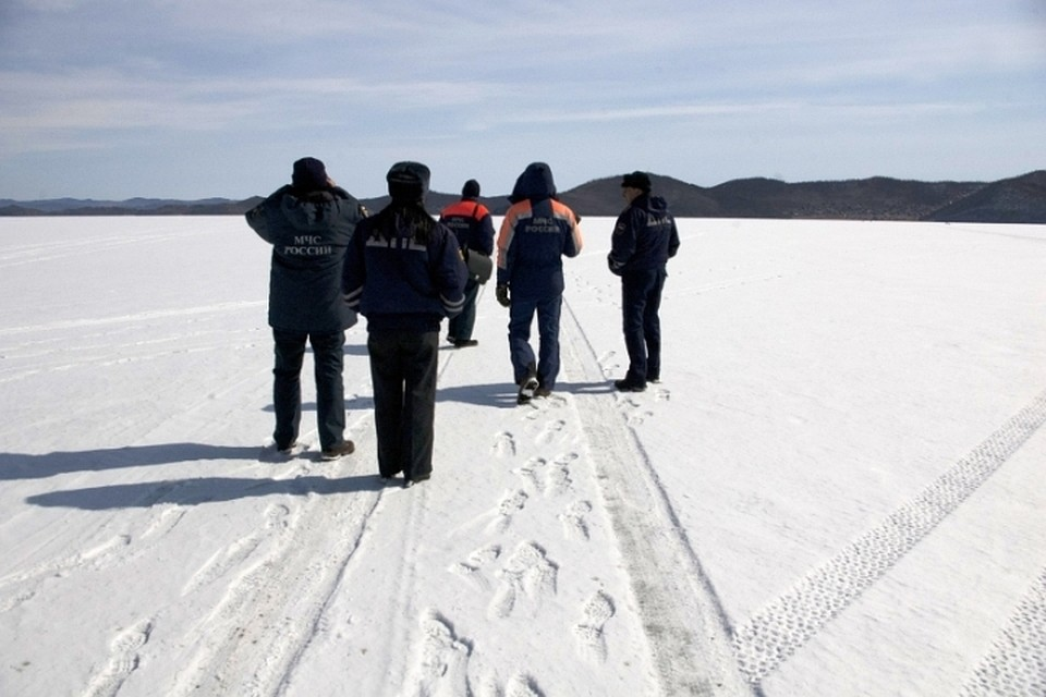 bab823f23f2d МЧС: выезжать на лед Иркутского водохранилища и южной части Байкала пока  нельзя