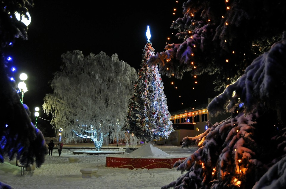 Как украсили города и сёла Саратовской области к Новому году