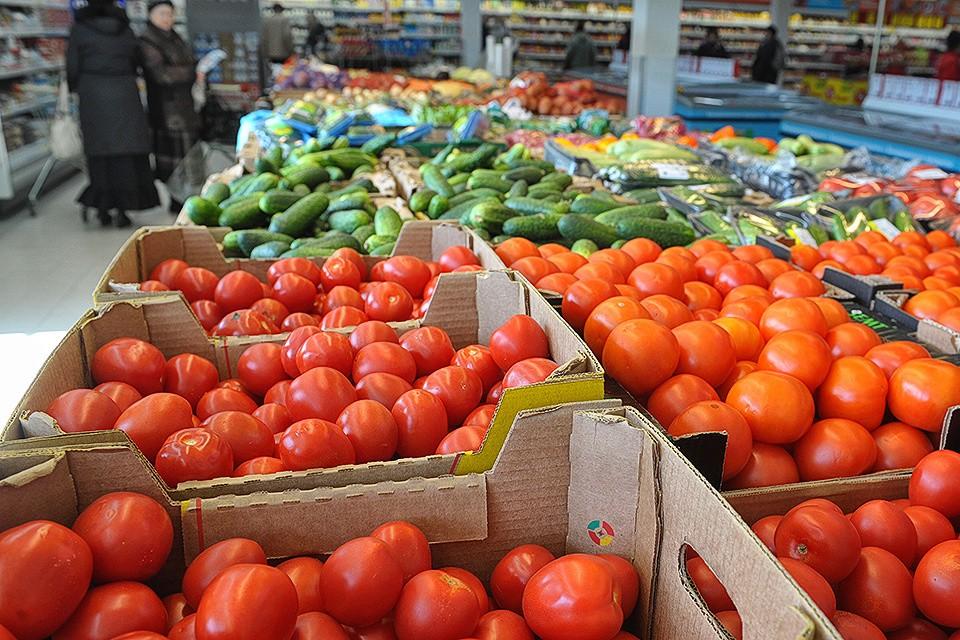 В небольших населенных пунктах России появились супермаркеты крупных сетей, где продаются практически все необходимые товары и продукты.