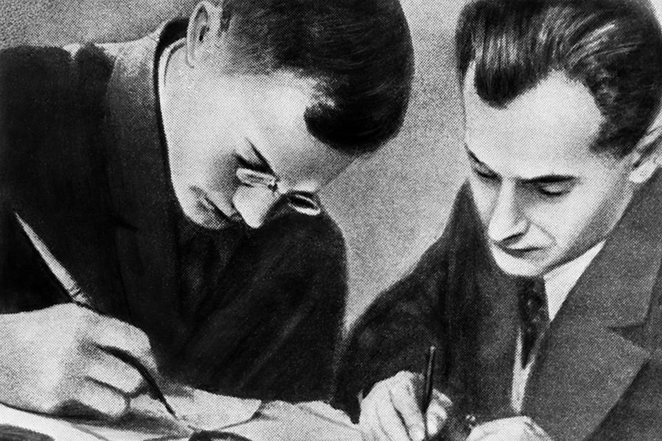 Писатели Илья Ильф и Евгений Петров, 1932 год