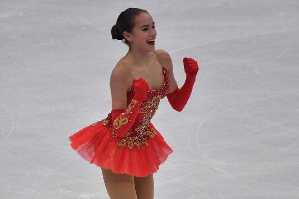 15-летняя Алина Загитова победила Евгению Медведеву на чемпионате Европы в Москве.