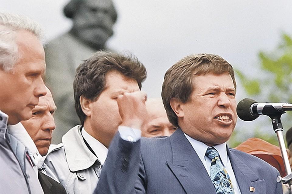 Анпилов был одним из главных действующих лиц московских митингов начала 90-х, и за ним были готовы идти десятки тысяч людей... Фото: Александр ПОЛЯКОВ/РИА Новости