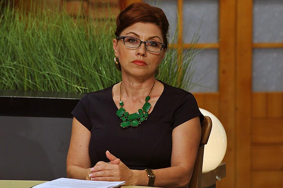 Сябитова рассказывала, что свадьба намечена на 2018-й год. А жениха она общественности не показывала, так как боится сглазить