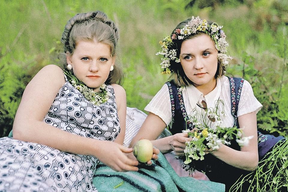 К сценарию картины «Москва слезам не верит» и Вера Алентова, и Ирина Муравьева поначалу отнеслись скептически. Но обеим лента принесла всенародную славу и любовь зрителей. Кадр из фильма